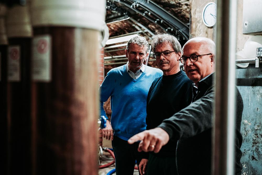 CARL JUNG | Alcoholfree Bernhard Jung im Weinkeller